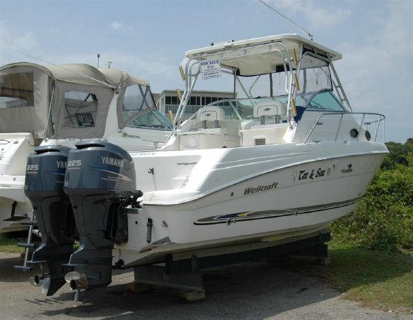 27' Wellcraft 270 Coastal O/B