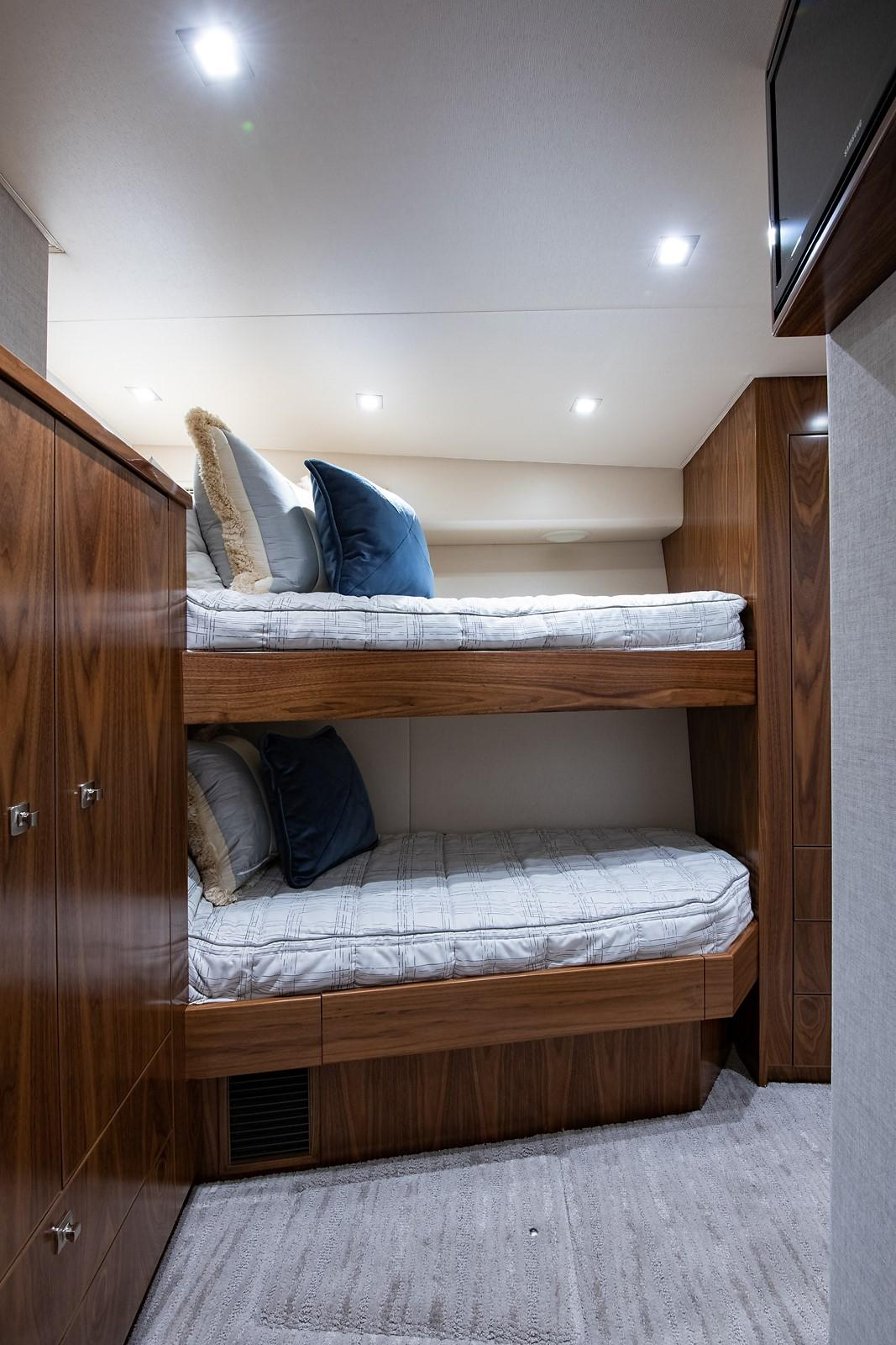 80 Viking Mid Starboard Guest Stateroom