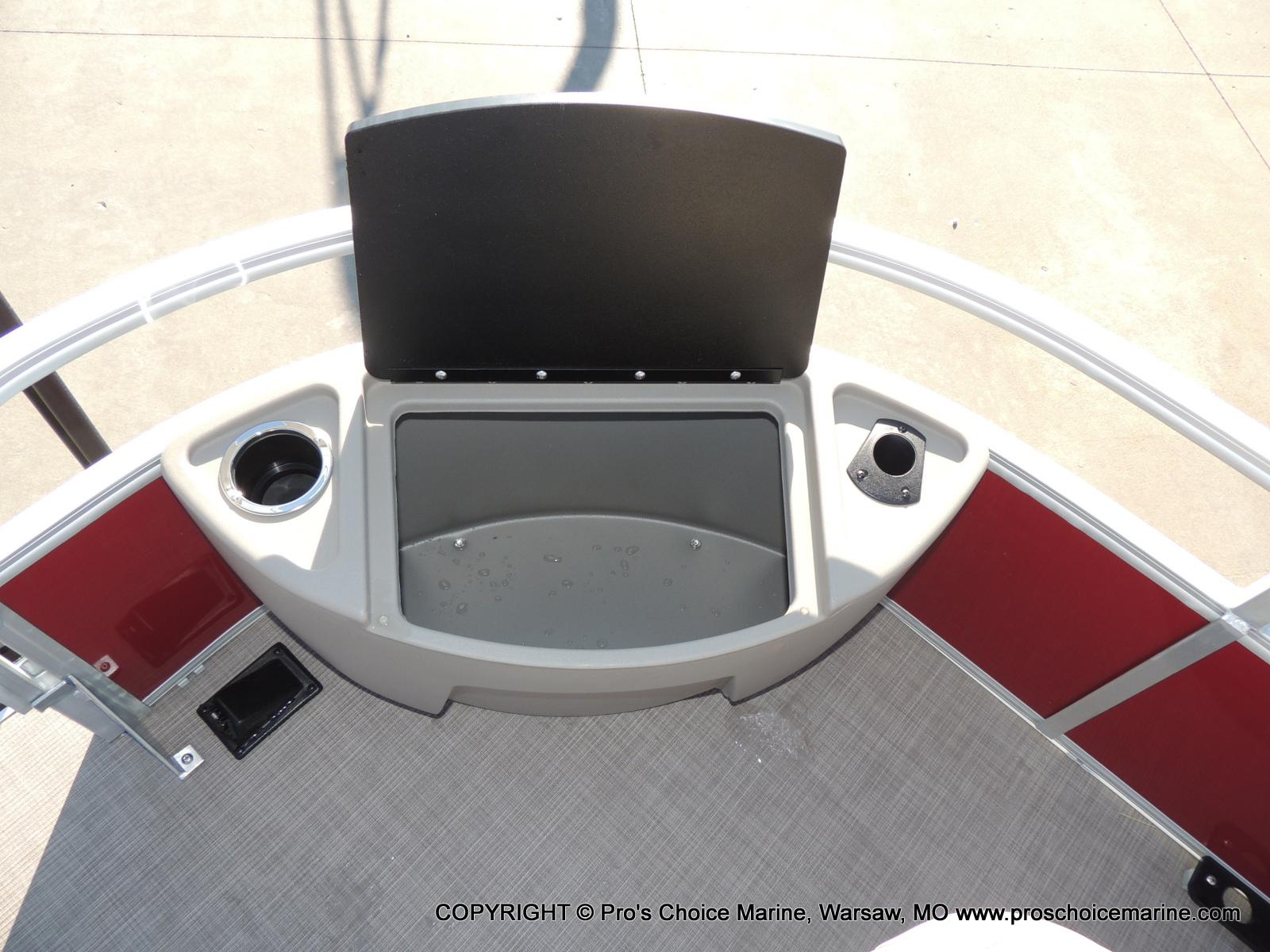 2020 Sun Tracker boat for sale, model of the boat is Bass Buggy 18 DLX & Image # 10 of 50