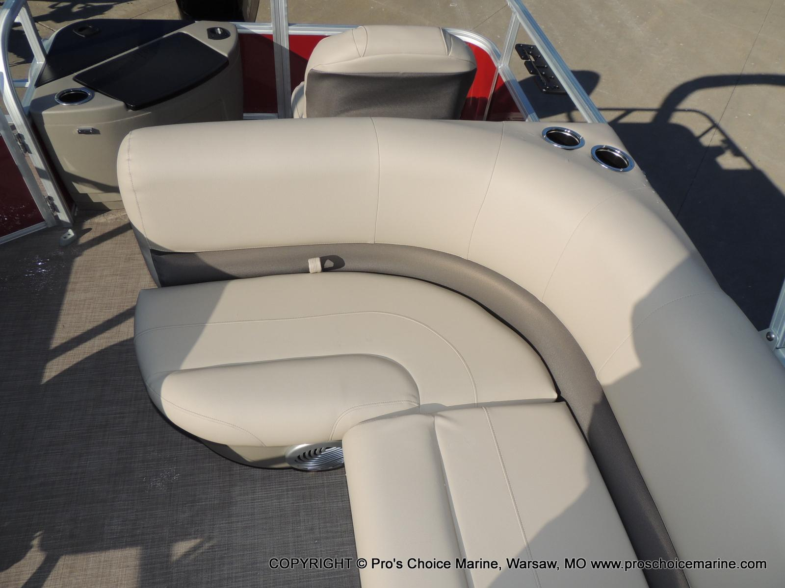 2020 Sun Tracker boat for sale, model of the boat is Bass Buggy 18 DLX & Image # 16 of 50
