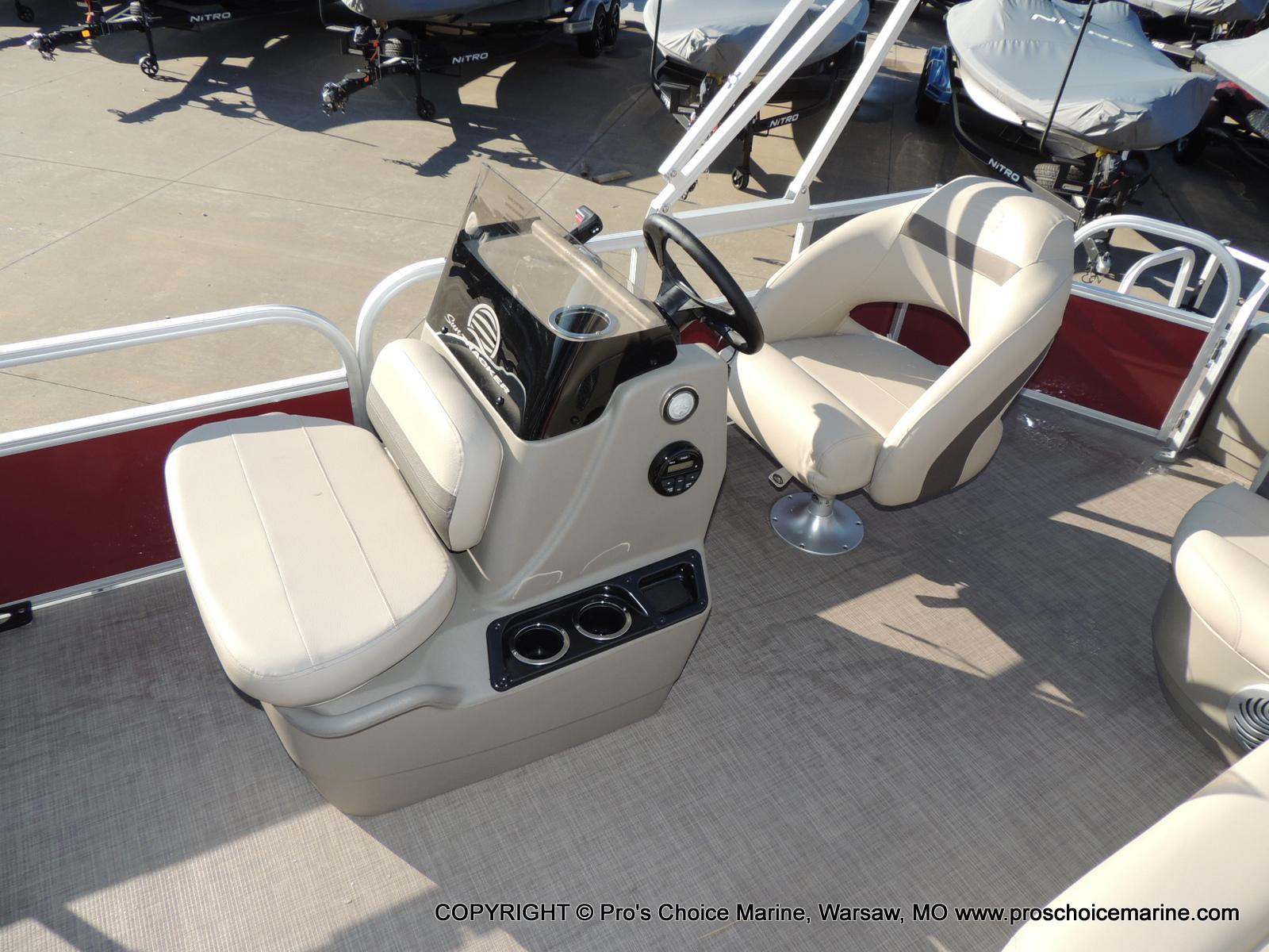 2020 Sun Tracker boat for sale, model of the boat is Bass Buggy 18 DLX & Image # 20 of 50