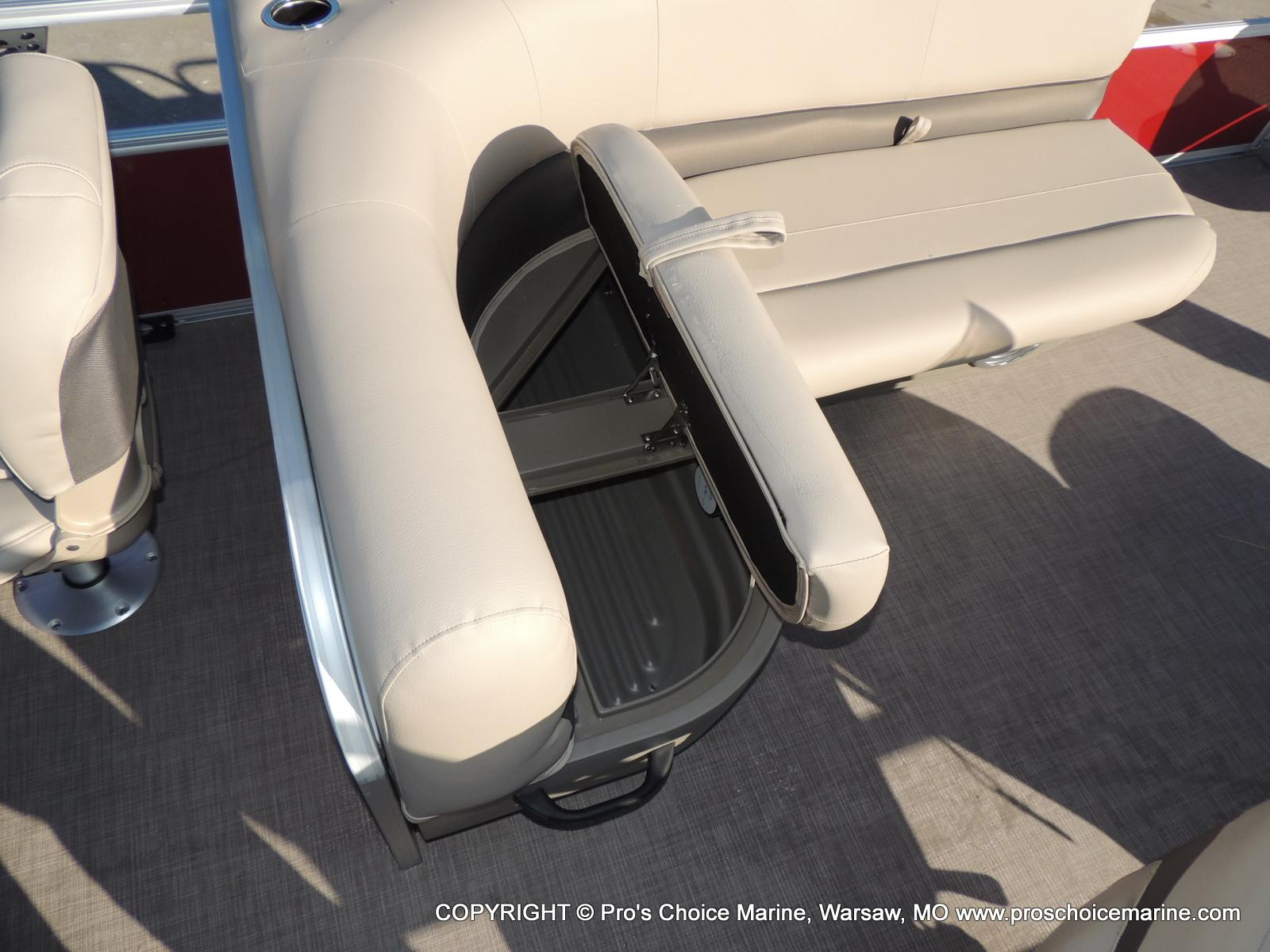 2020 Sun Tracker boat for sale, model of the boat is Bass Buggy 18 DLX & Image # 22 of 50