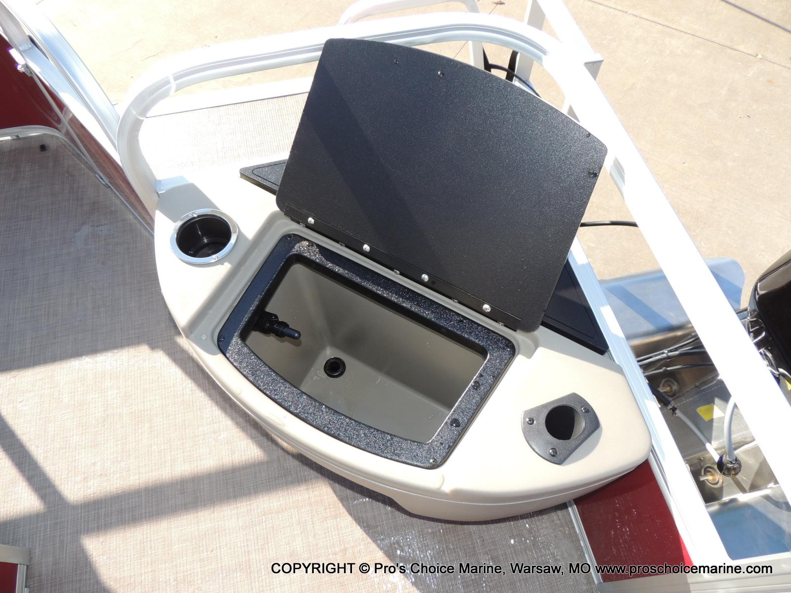 2020 Sun Tracker boat for sale, model of the boat is Bass Buggy 18 DLX & Image # 23 of 50