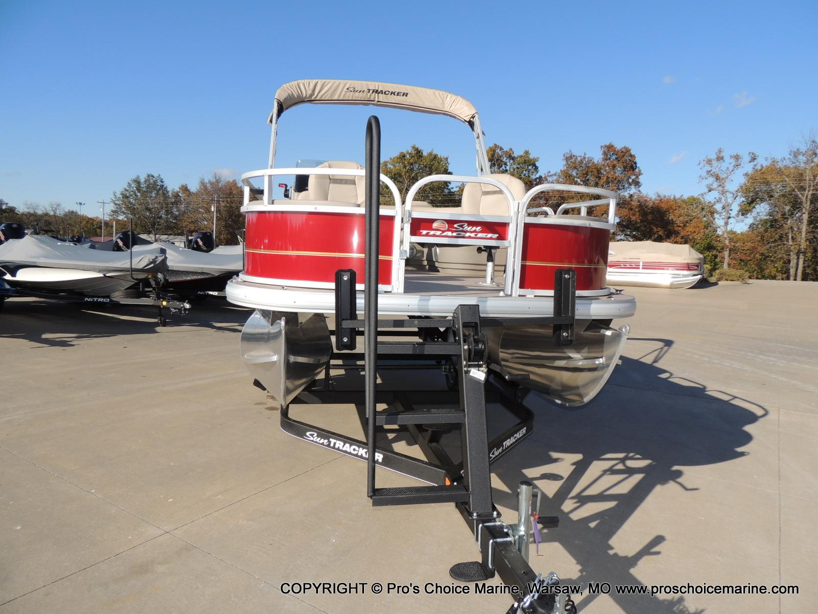 2020 Sun Tracker boat for sale, model of the boat is Bass Buggy 18 DLX & Image # 26 of 50