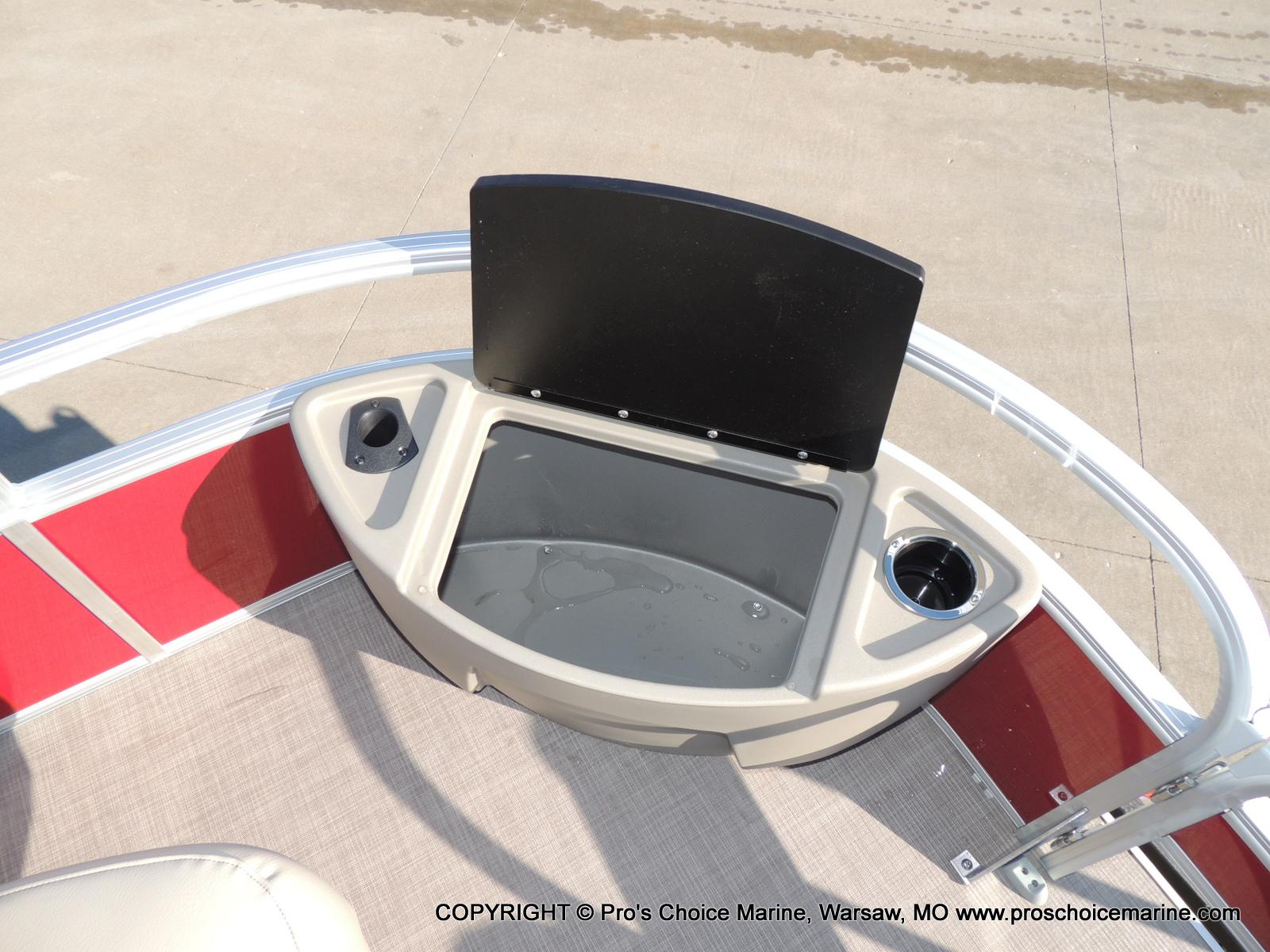 2020 Sun Tracker boat for sale, model of the boat is Bass Buggy 18 DLX & Image # 29 of 50