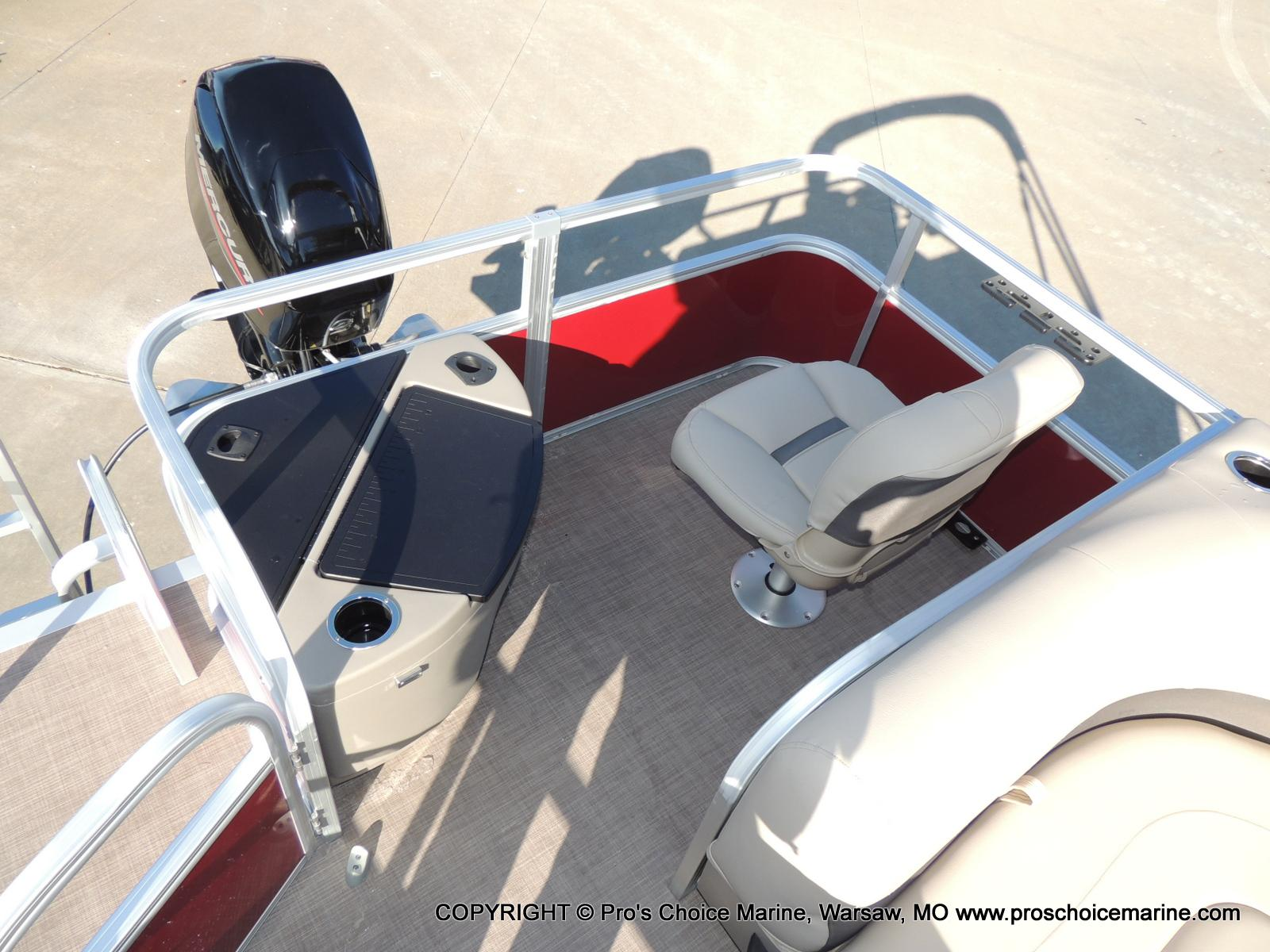 2020 Sun Tracker boat for sale, model of the boat is Bass Buggy 18 DLX & Image # 33 of 50