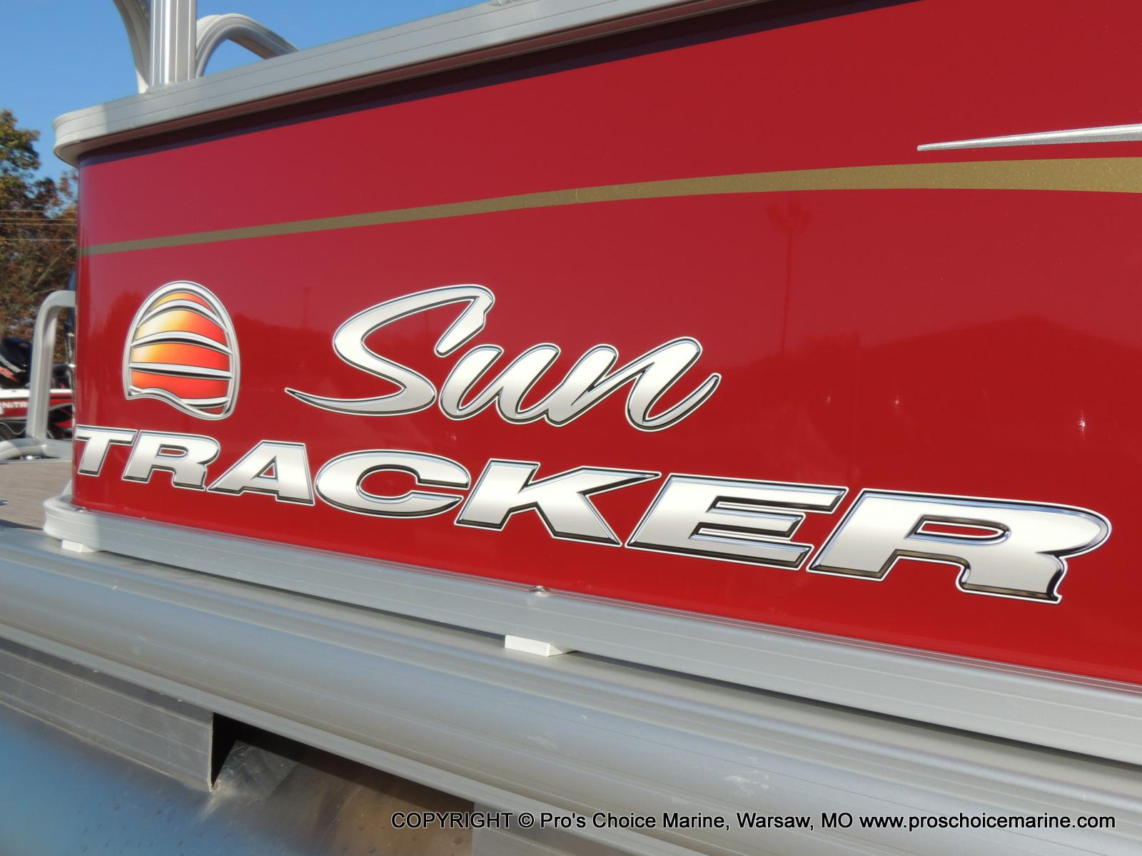 2020 Sun Tracker boat for sale, model of the boat is Bass Buggy 18 DLX & Image # 34 of 50