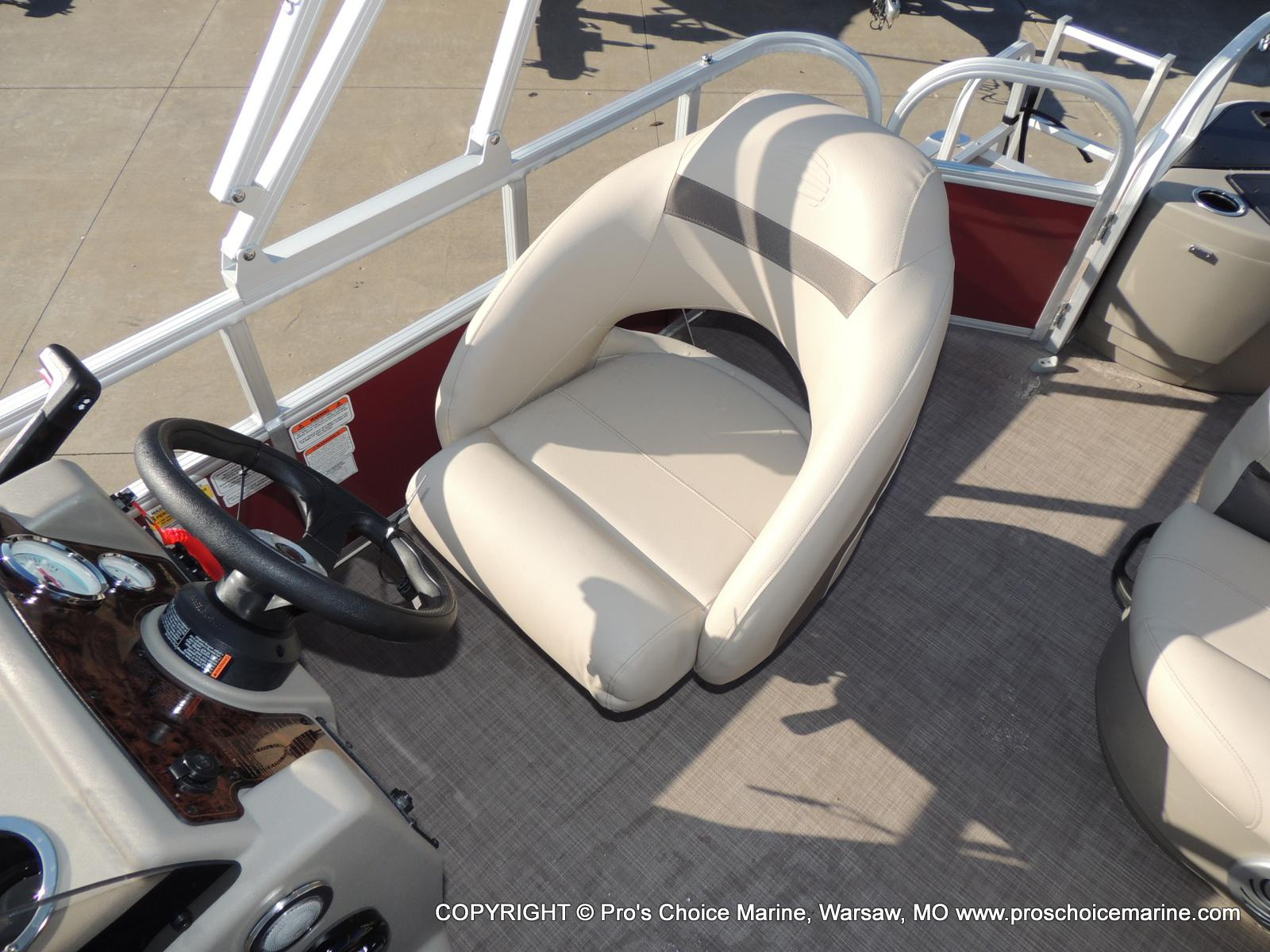 2020 Sun Tracker boat for sale, model of the boat is Bass Buggy 18 DLX & Image # 35 of 50