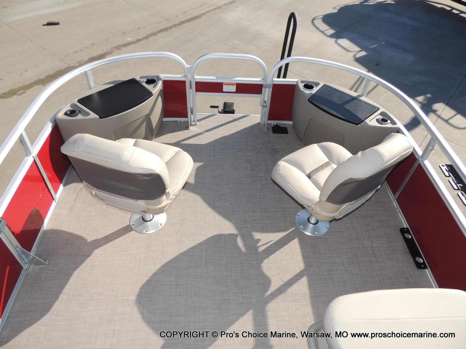 2020 Sun Tracker boat for sale, model of the boat is Bass Buggy 18 DLX & Image # 40 of 50