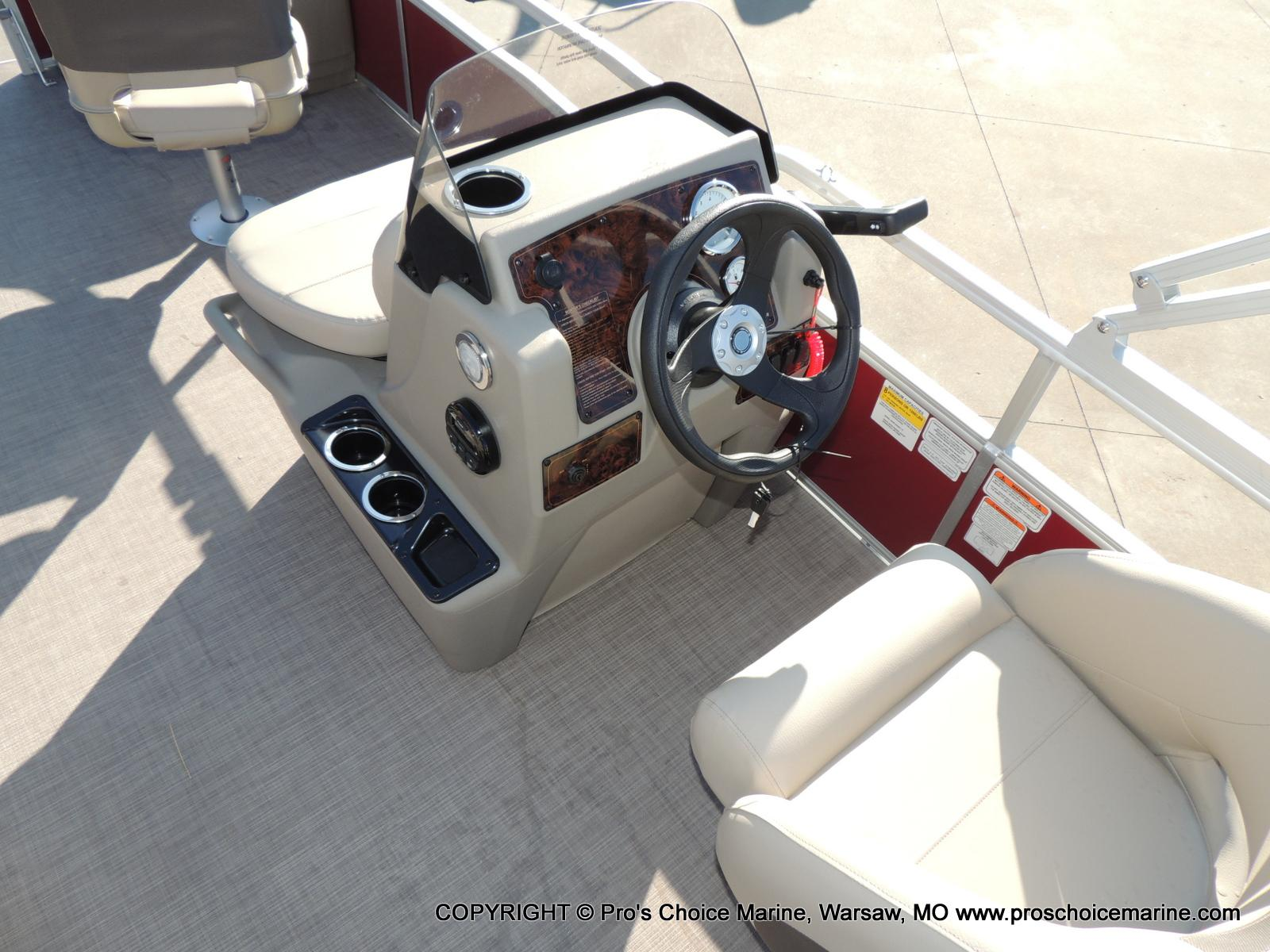 2020 Sun Tracker boat for sale, model of the boat is Bass Buggy 18 DLX & Image # 46 of 50