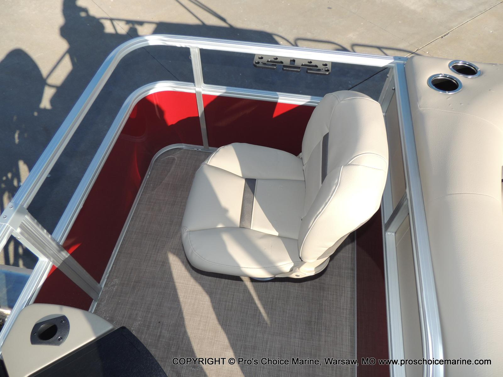2020 Sun Tracker boat for sale, model of the boat is Bass Buggy 18 DLX & Image # 47 of 50