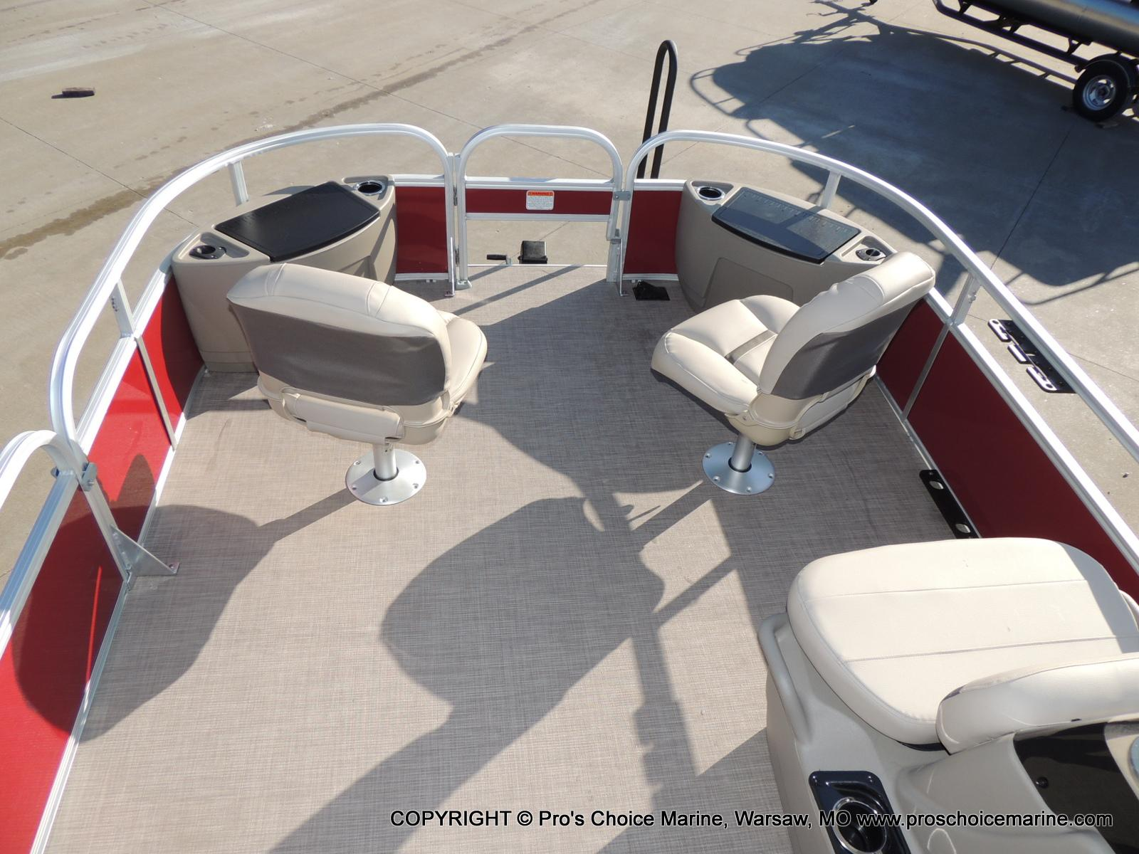 2020 Sun Tracker boat for sale, model of the boat is Bass Buggy 18 DLX & Image # 48 of 50