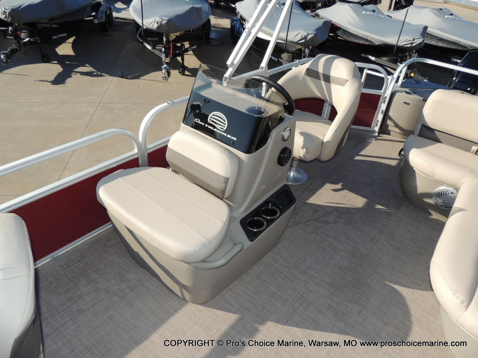 2020 Sun Tracker boat for sale, model of the boat is Bass Buggy 18 DLX & Image # 49 of 50