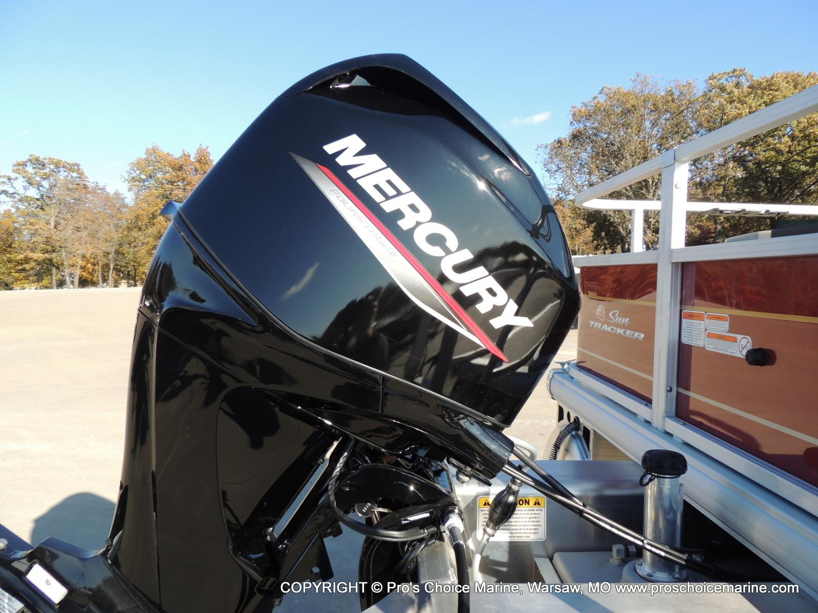 2020 Sun Tracker boat for sale, model of the boat is Bass Buggy 18 DLX & Image # 5 of 50