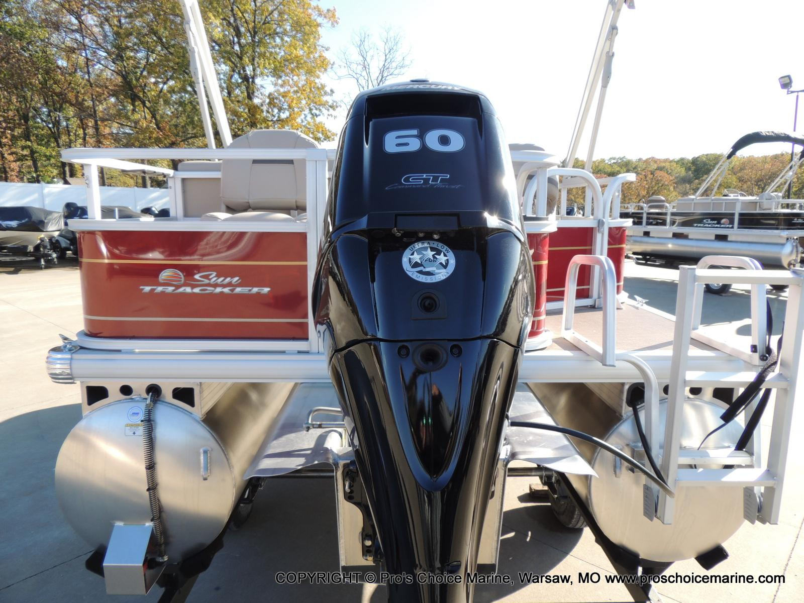 2020 Sun Tracker boat for sale, model of the boat is Bass Buggy 18 DLX & Image # 6 of 50