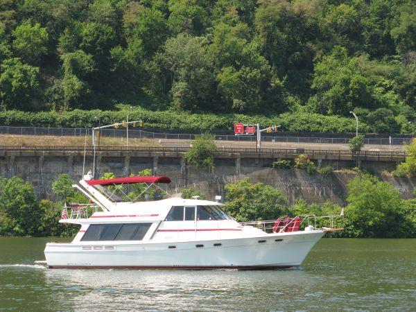 Bayliner 4588 Motoryacht Motor Yachts. Listing Number: M-3720969
