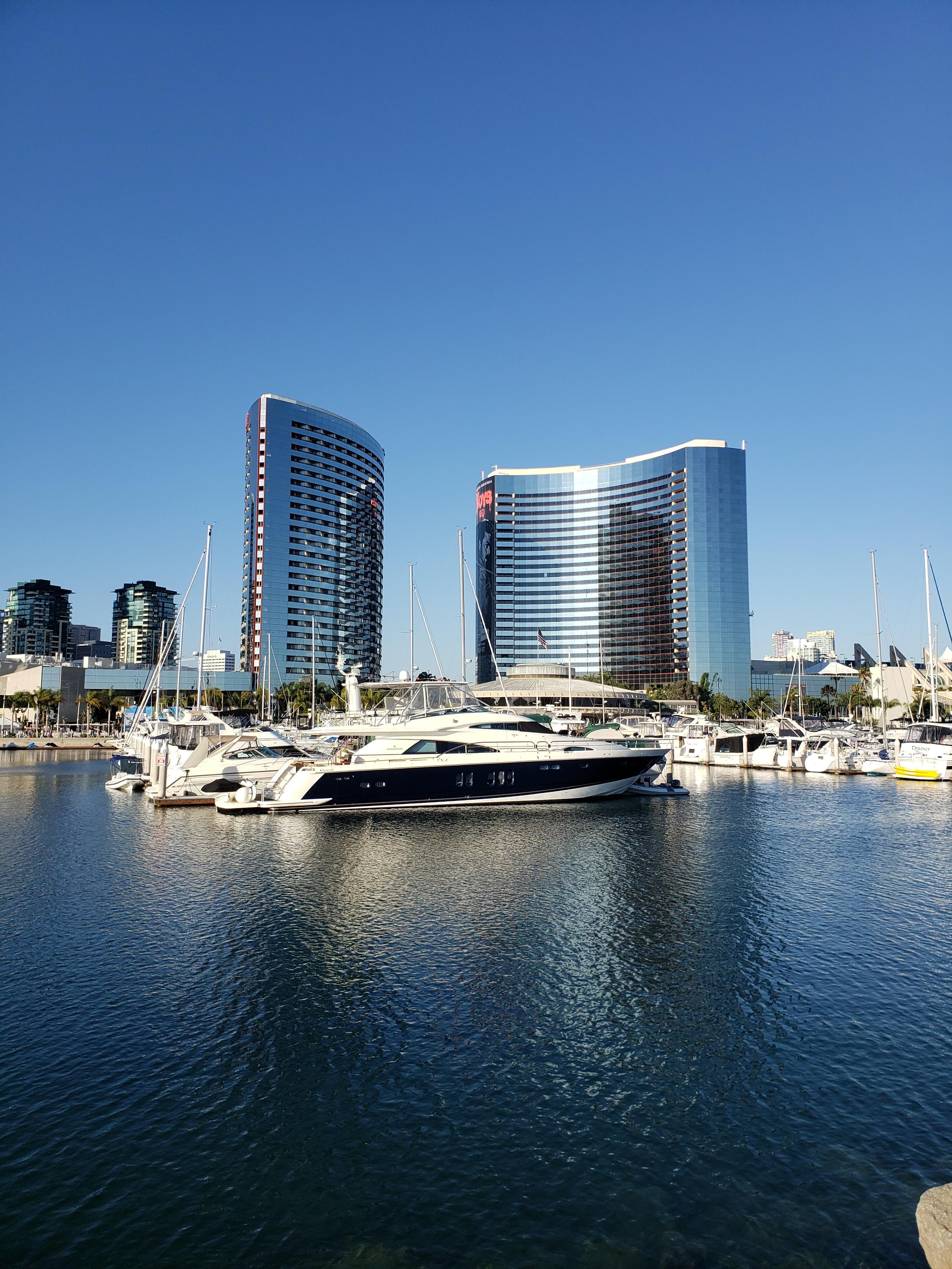 Cruisers Yachts - 50North