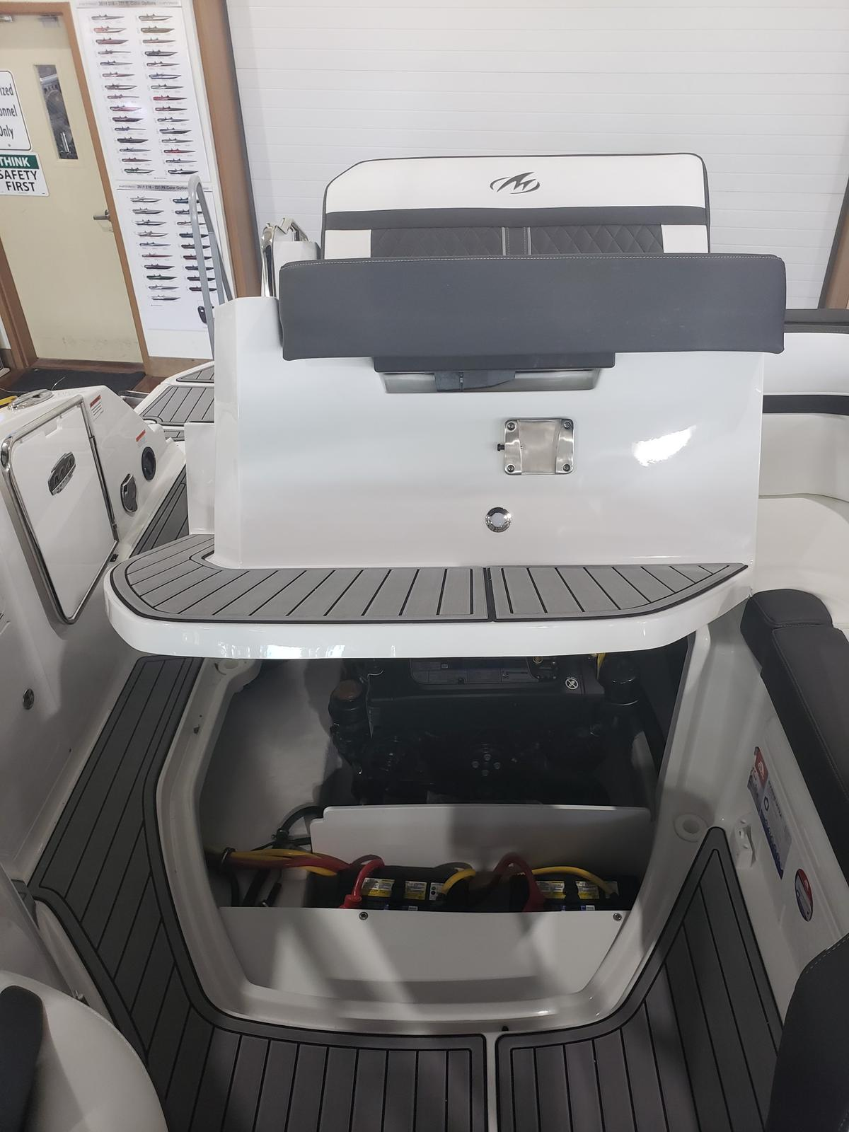 2019 Monterey boat for sale, model of the boat is M4 w/ I/O Mercruiser 300HP CAT.2.2 BR3 & Image # 1795 of 2574