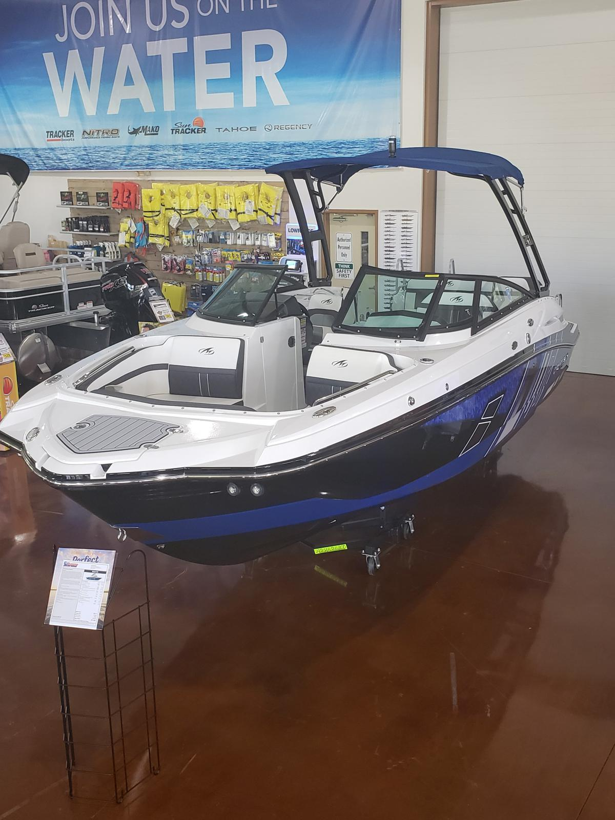 2019 Monterey boat for sale, model of the boat is M4 w/ I/O Mercruiser 300HP CAT.2.2 BR3 & Image # 625 of 2574