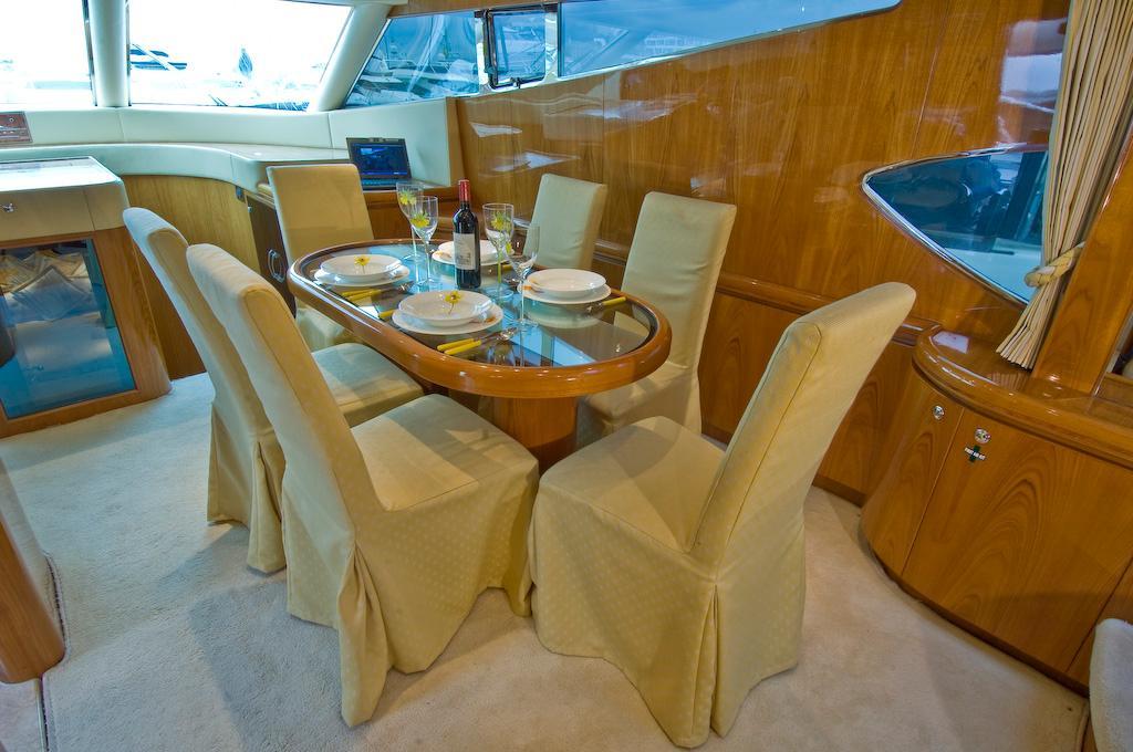 Dinette at starboard