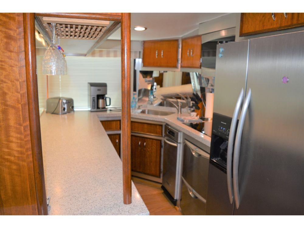 Hatteras Motor Yacht - Galley