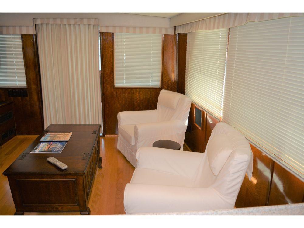 Hatteras 58 Motor Yacht - Salon 2