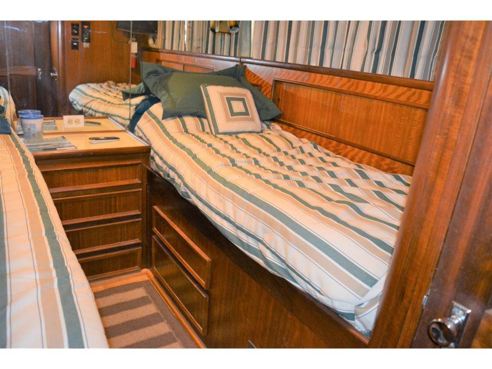 Hatteras 58 Motor Yacht - Third Guest Cabin