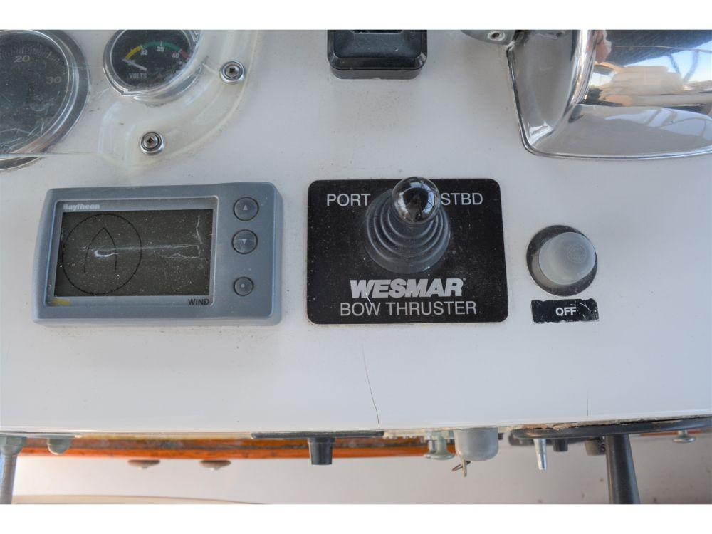 Hatteras 58 Motor Yacht - Bow Thruster Controls