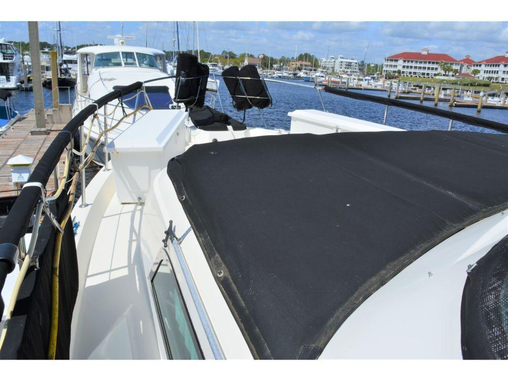 Hatteras Motor Yacht - Portside Walkway looking Forward