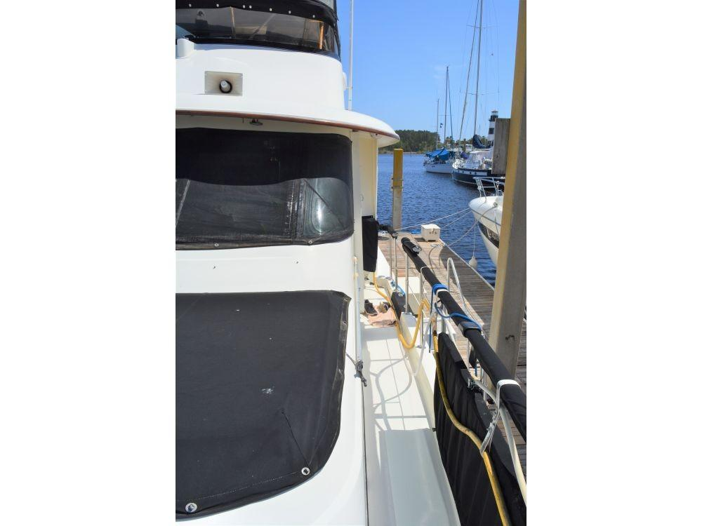 Hatteras Motor Yacht - Port Side Walkway looking Aft