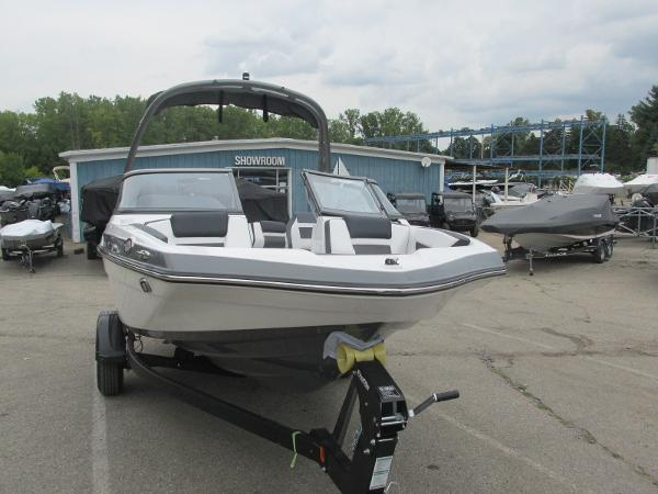 2020 Yamaha boat for sale, model of the boat is 195S & Image # 3 of 33