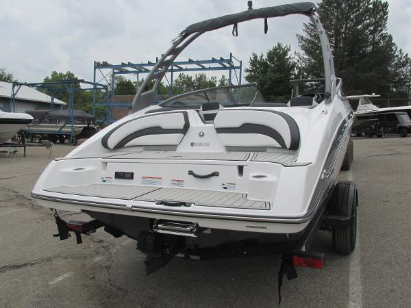 2020 Yamaha boat for sale, model of the boat is 195S & Image # 4 of 33