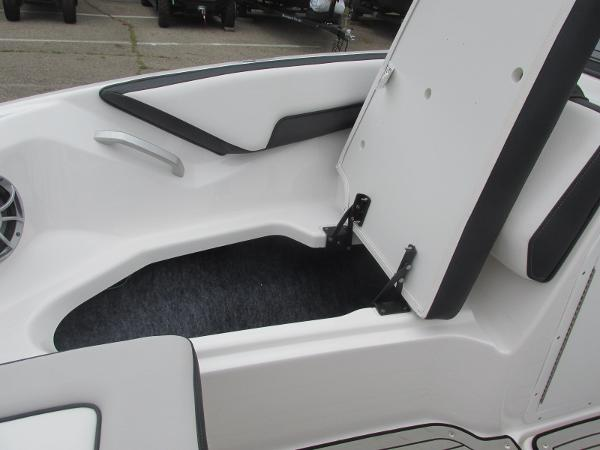 2020 Yamaha boat for sale, model of the boat is 195S & Image # 9 of 33