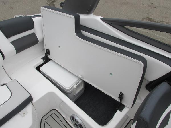 2020 Yamaha boat for sale, model of the boat is 195S & Image # 15 of 33