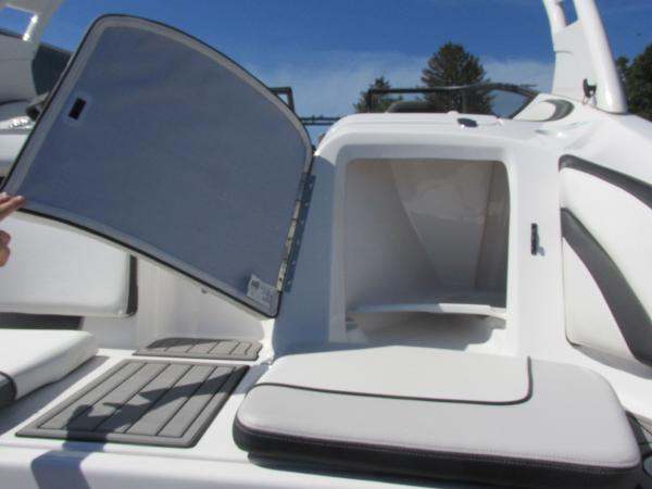 2019 Yamaha boat for sale, model of the boat is 242 Limited S & Image # 8 of 36