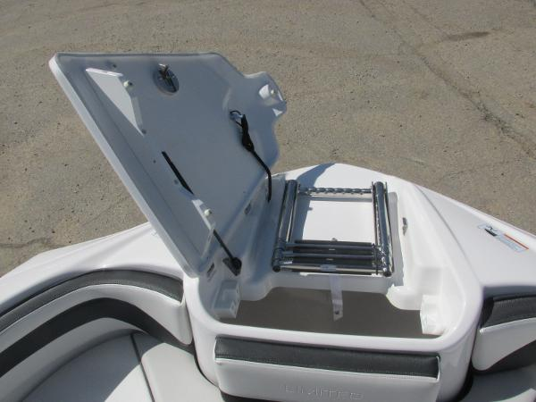 2019 Yamaha boat for sale, model of the boat is 242 Limited S & Image # 13 of 36