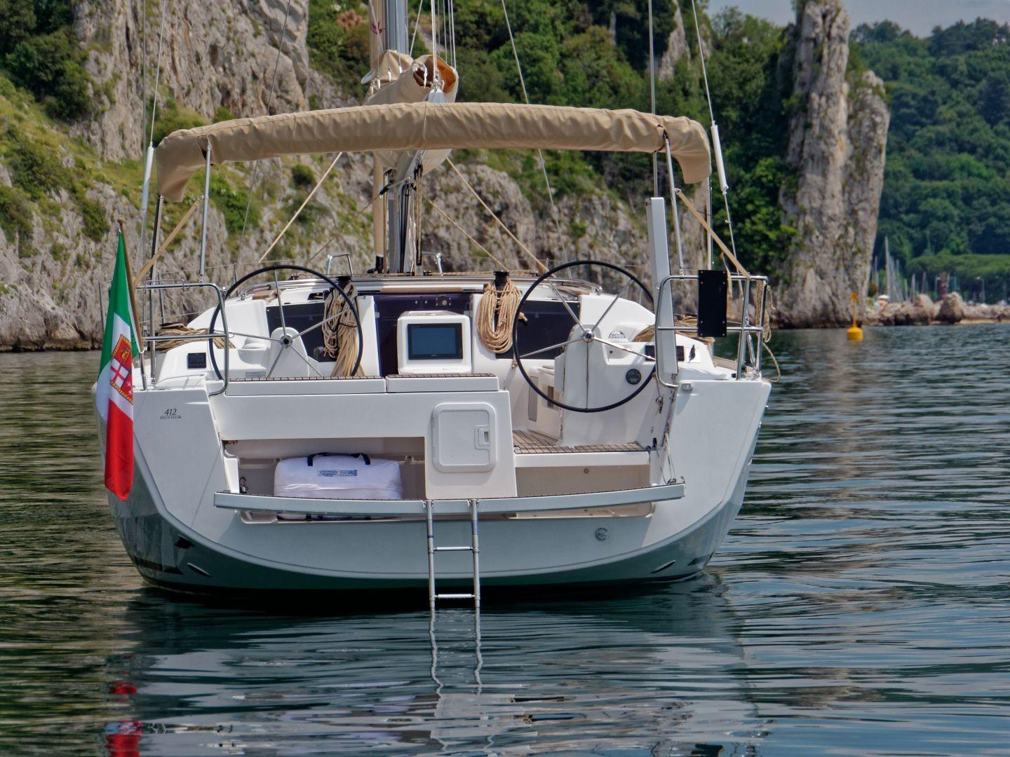 Manufacturer Provided Image: Dufour 412 Grand Large Stern