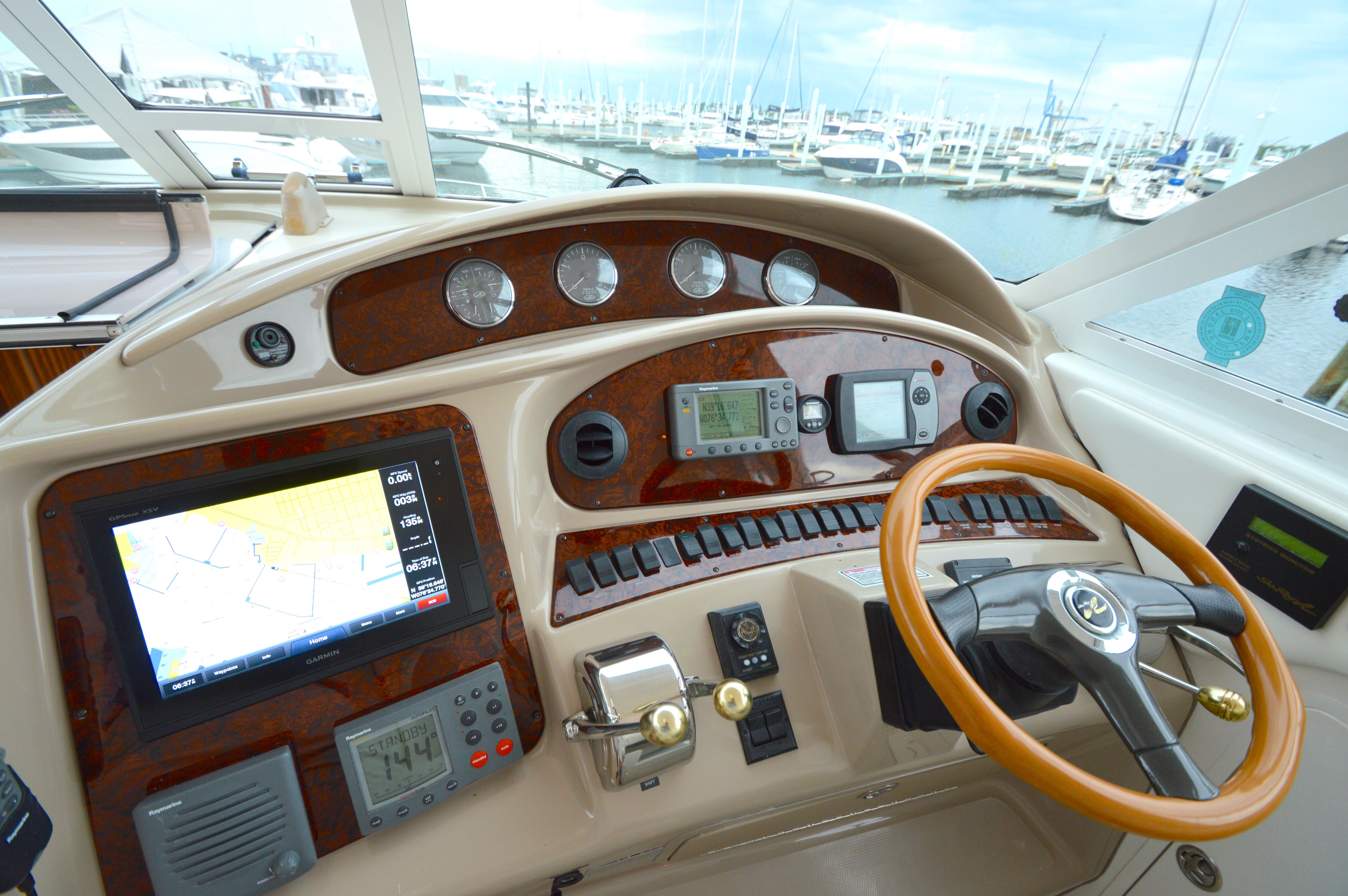 2004 Sea Ray 390 Motoryacht - Yacht Sales and Services