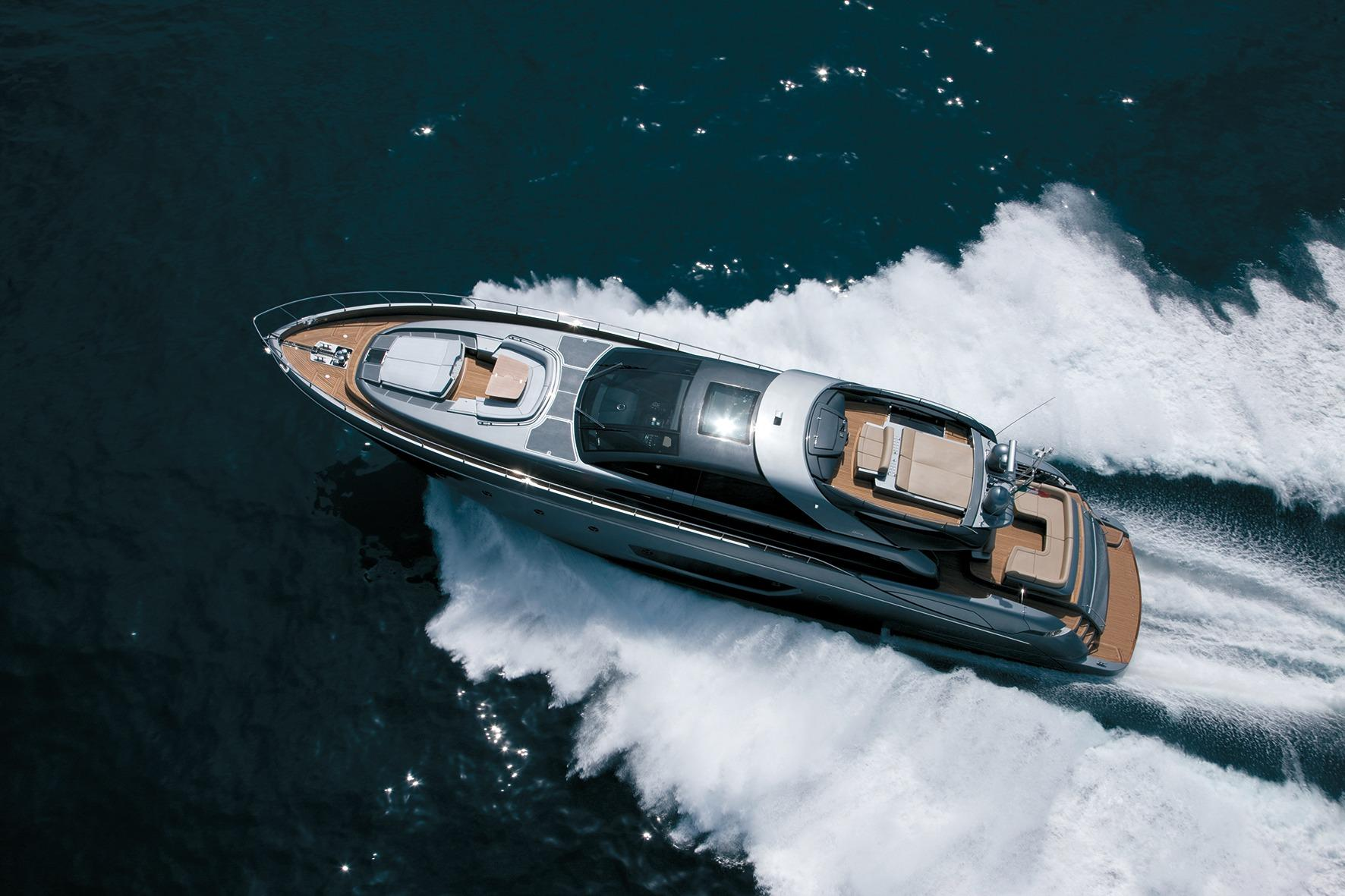 87.7 ft Riva 86′ DOMINO