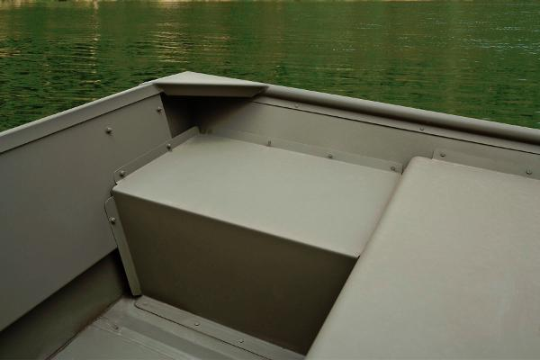 2014 Tracker Boats boat for sale, model of the boat is Topper 1542 LW Riveted Jon & Image # 8 of 12