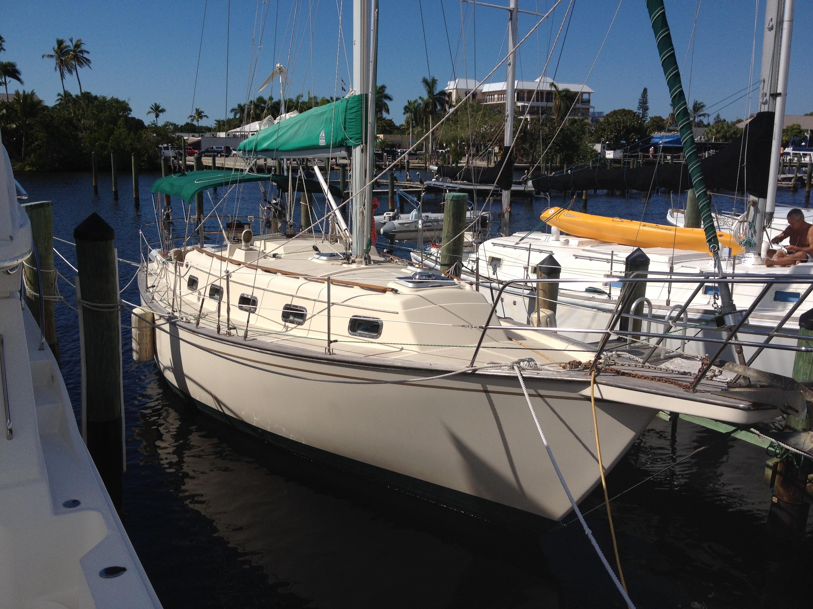 1991 Island Packet 32 Sloop