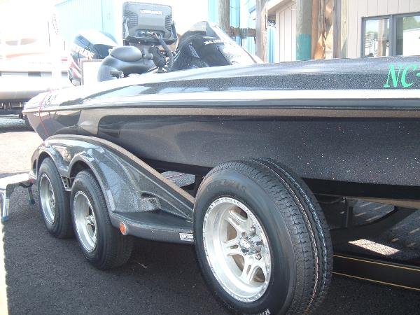 2010 Ranger Boats boat for sale, model of the boat is Z520 Comanche & Image # 3 of 12
