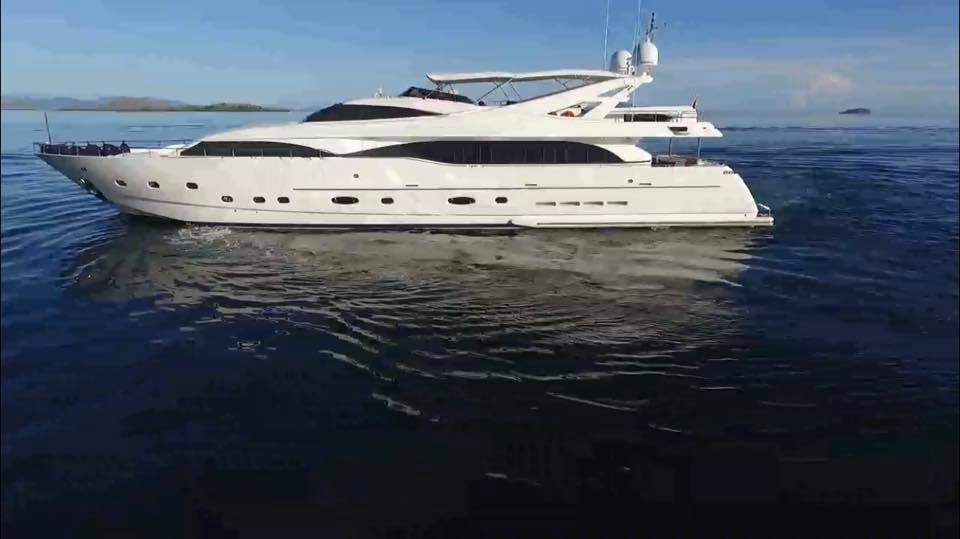 112' Ferretti Yachts 2005