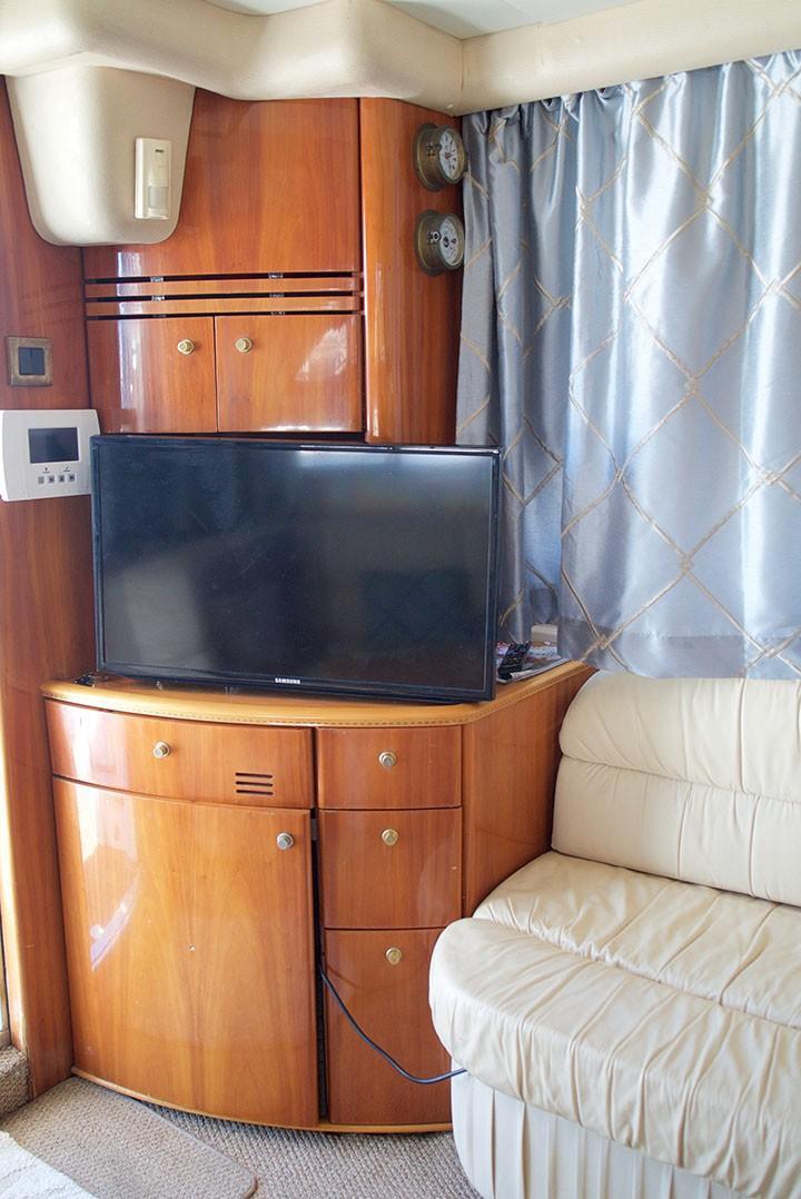 Viking 46 Princess - Salon TV
