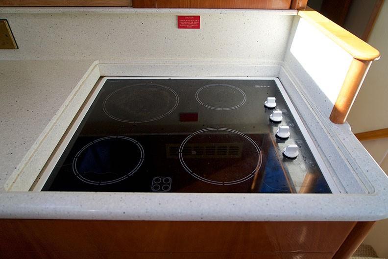 Viking 46 Princess - Four-burner Neff electric cooktop