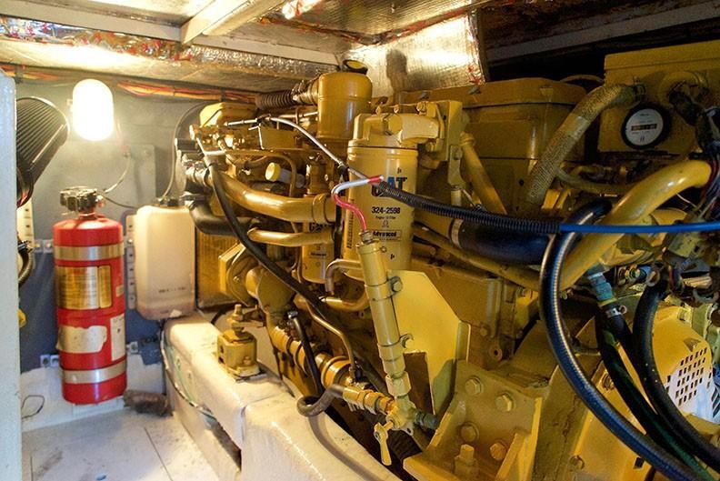 Viking 46 Princess - Engine Room 4