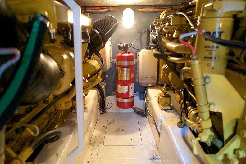 Viking 46 Princess - Engine Room 9
