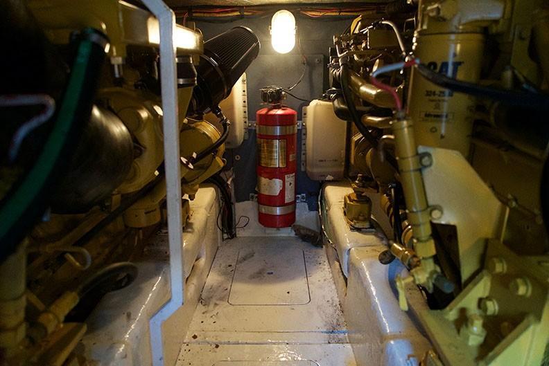 Viking 46 Princess - Engine Room 10