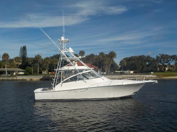 2015 42' Viking Open