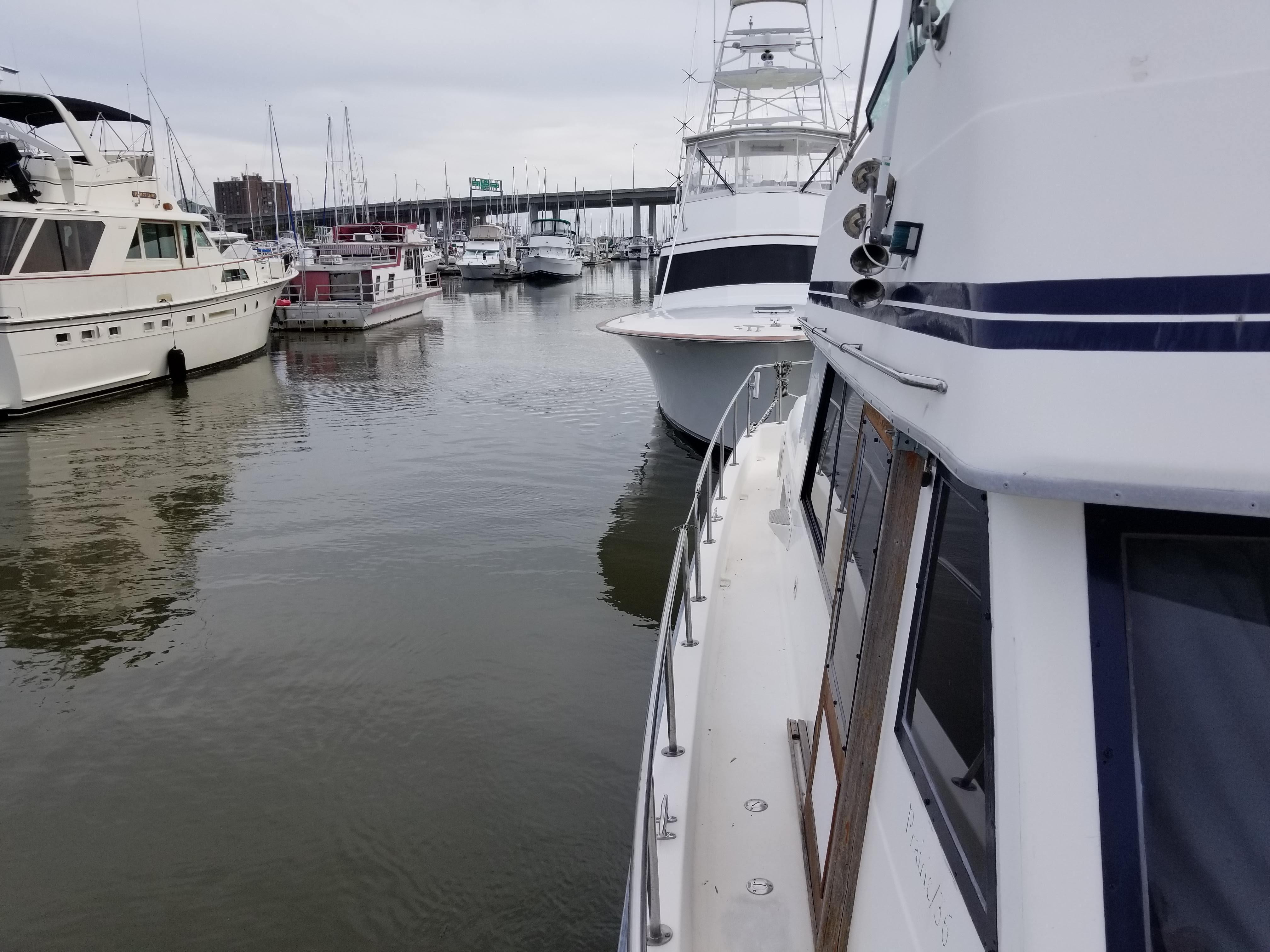 Prairie Boat Works 36 Dual Cabin - Starboard Side